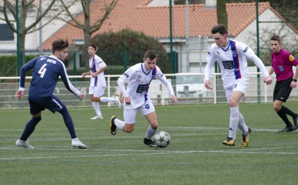 U17 PH: Saint Sebastien FC - Sympho Foot Treillières. LES BLANCS PASSENT AU TRAVERS